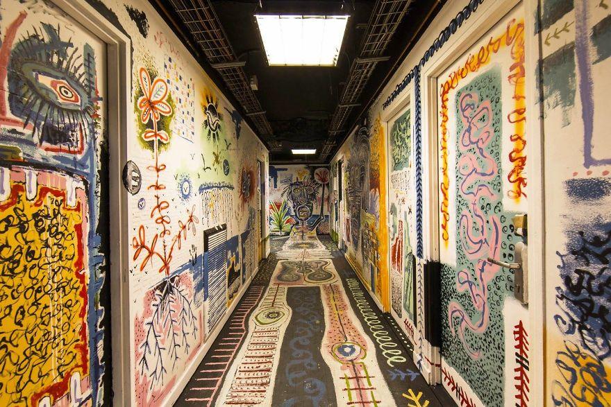 100-graffiti-artists-university-painting-rehab2-paris-10-596dae8b05136__880.jpg