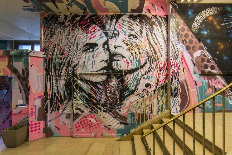 100-graffiti-artists-university-painting-rehab2-paris-11-596dae8dbc1c5__880.jpg