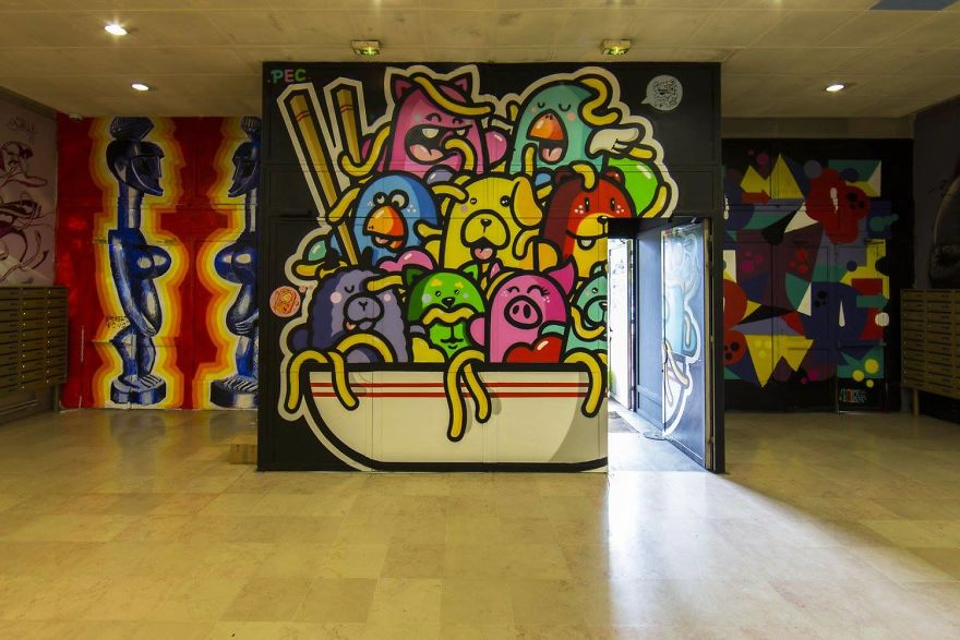 100-graffiti-artists-university-painting-rehab2-paris-596db4f6853c9__880.jpg