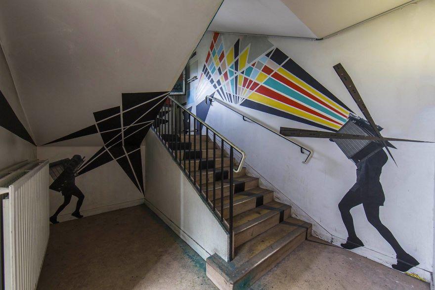 100-graffiti-artists-university-painting-rehab2-paris-596db775a5d7c__880.jpg