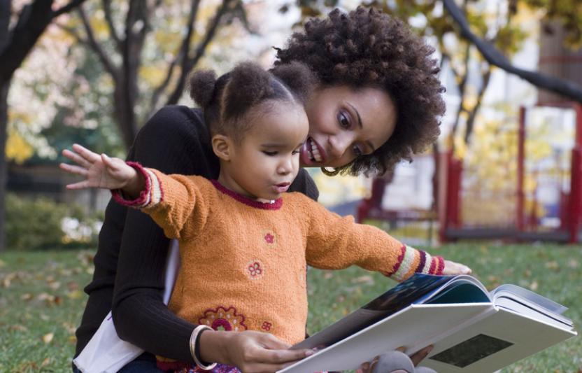 leggere madre bambina