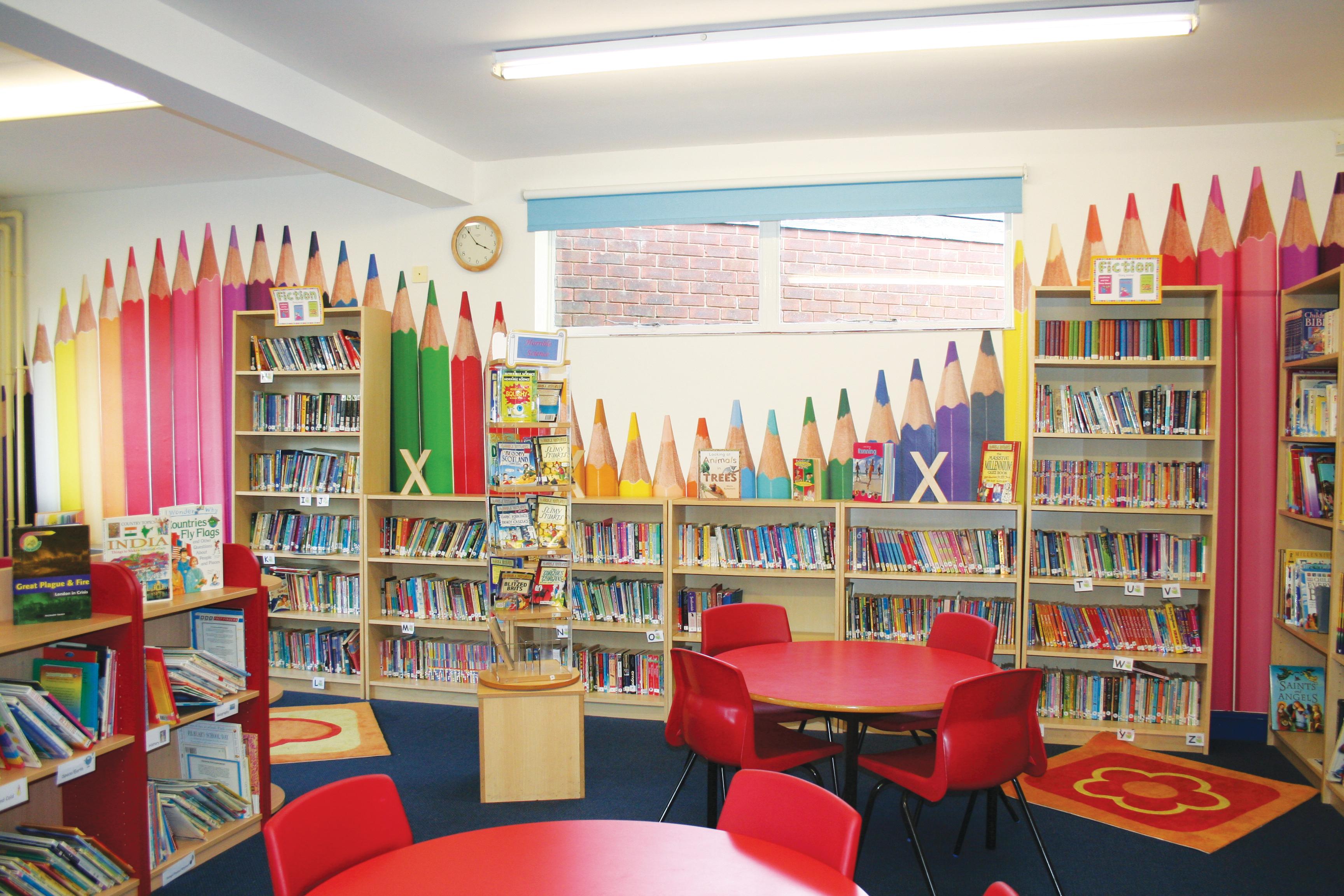 Risultato immagini per biblioteche scolastiche