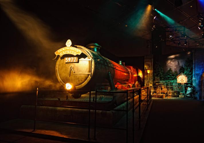 Hogsmeade-Station-1-712x500.jpg
