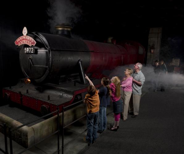 Hogwarts-Express-596x500.jpg