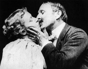 film-the-kiss-1896-granger kinetoscopio